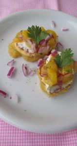 Maisküchlein mit Mangosalsa