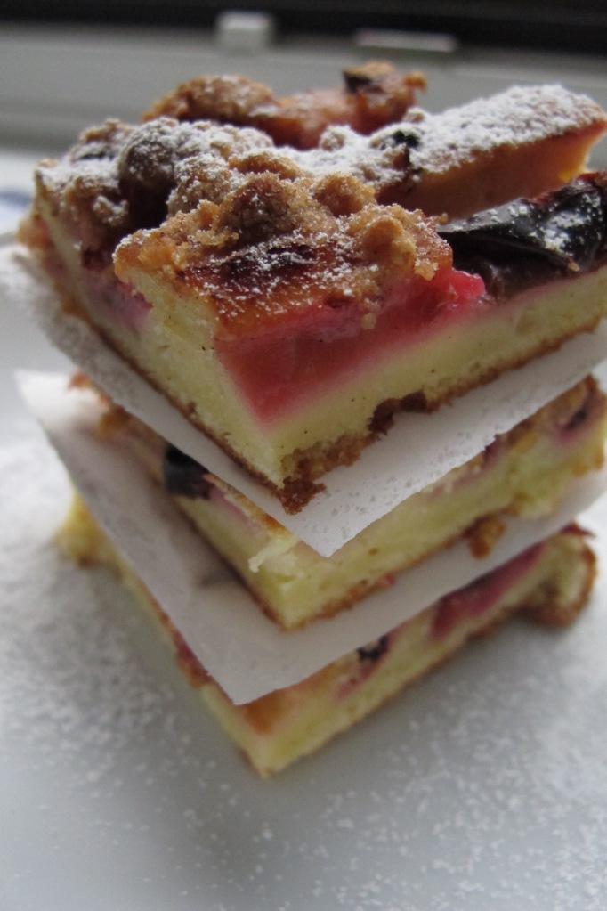 Zwetschkenkuchen mit Haselnussstreuseln