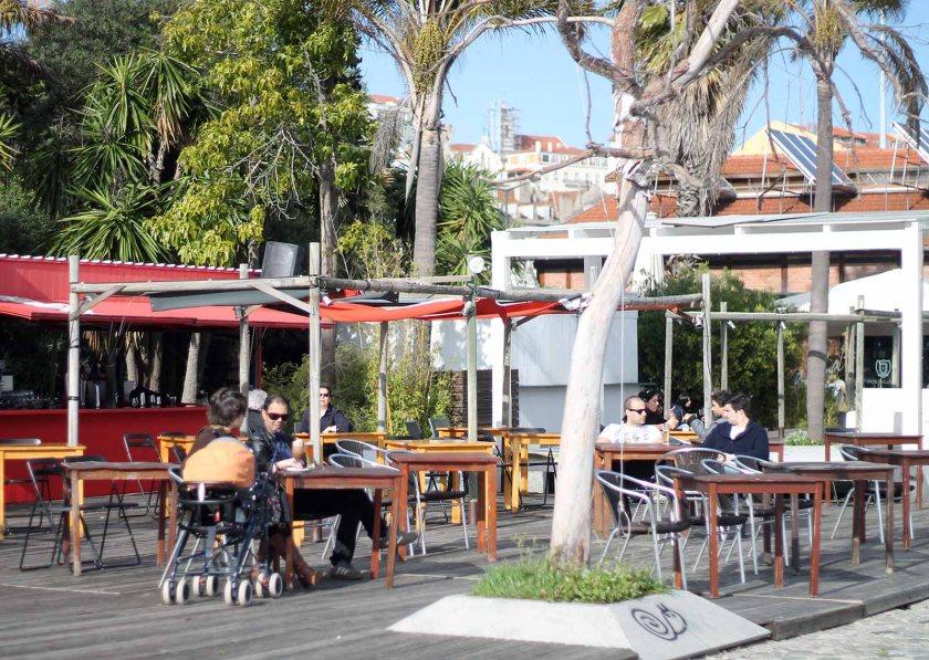 Café in der Nähe von Cais do Sodre