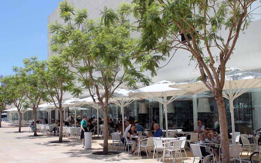 Weiß, hell und laut ist Tel Aviv
