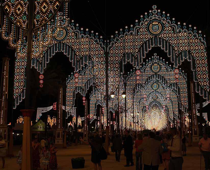 die Beleuchtung der Feria ist wirklich beeindruckend und kitschig! Eine lustige Stimmung allemal!