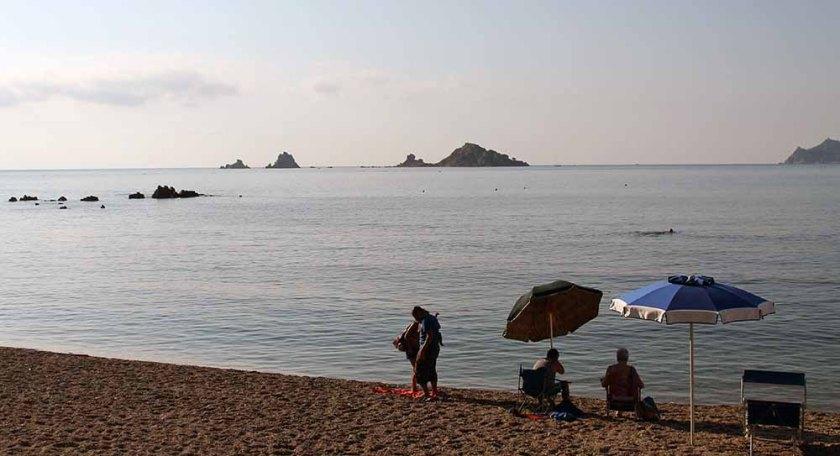 ab 9 Uhr morgens am Strand von Santa Maria Navarrese