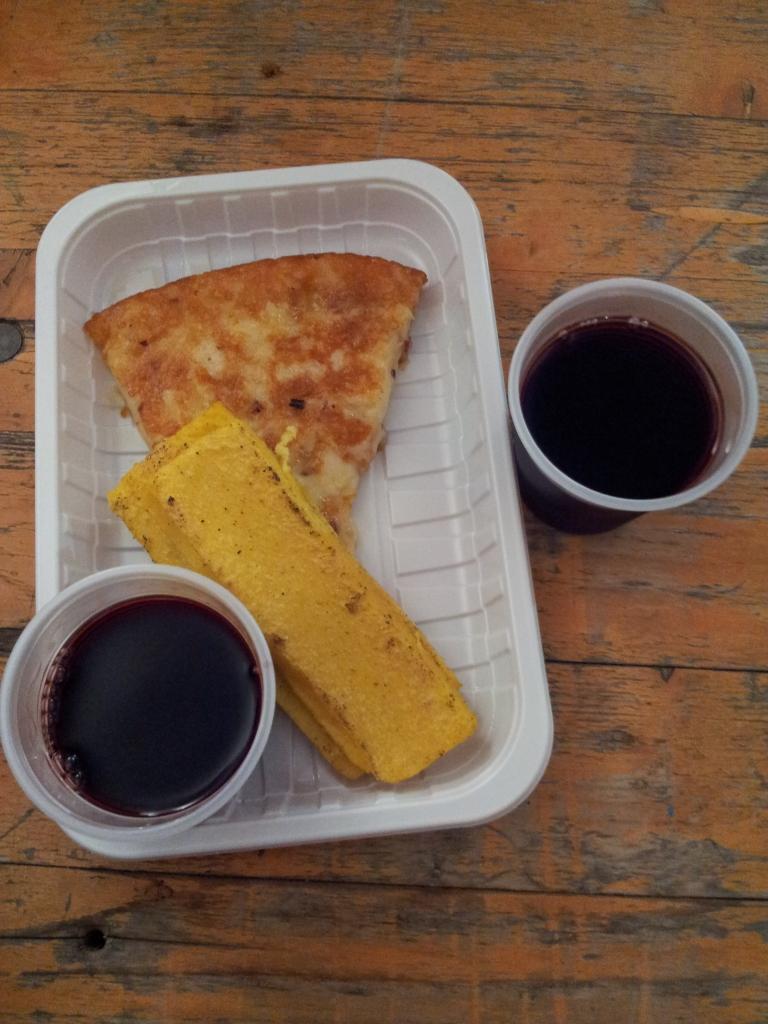Frico mit Wein