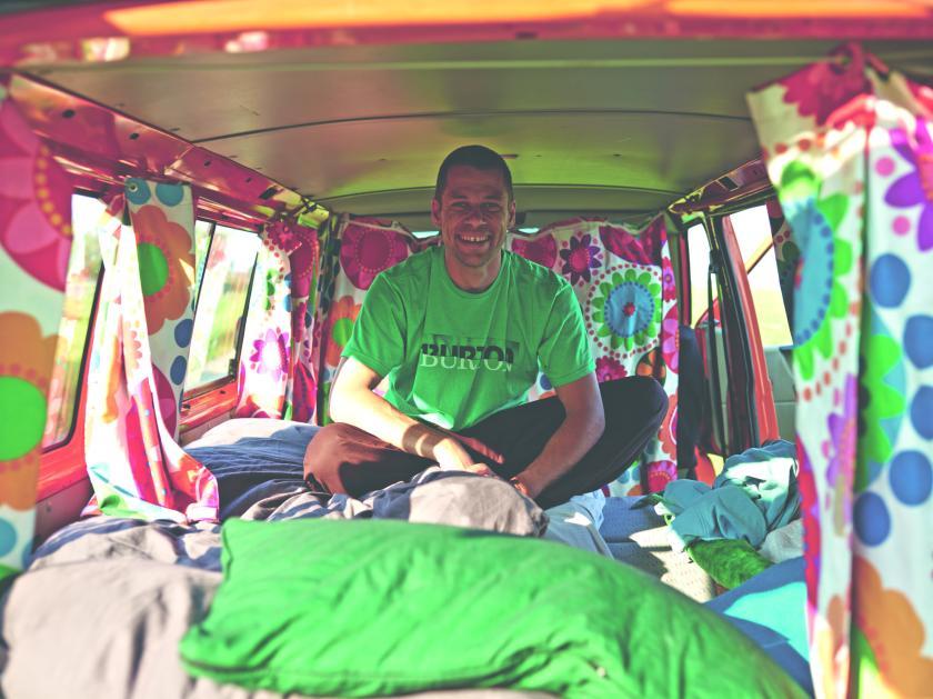 Surdham im Bus on Kochtour