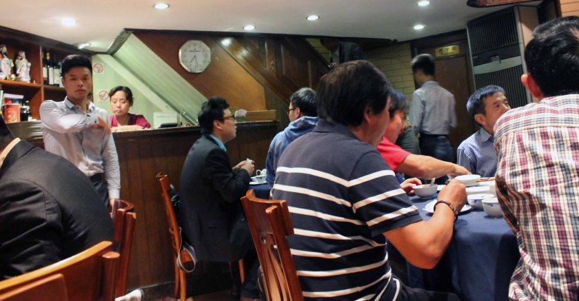 chinesische Stimmgewalt während des Abendessens