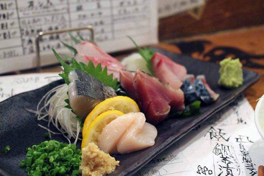 Snack in der Izakaya (= japanisches Beisl)