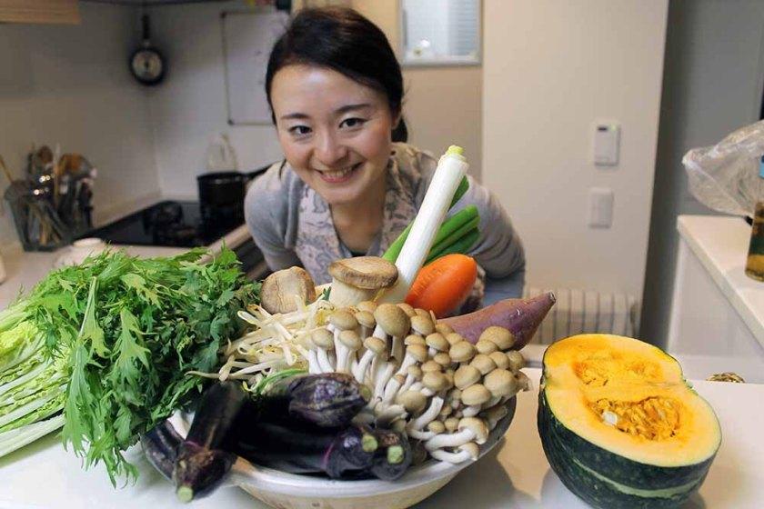 Yuka in ihrer Küche