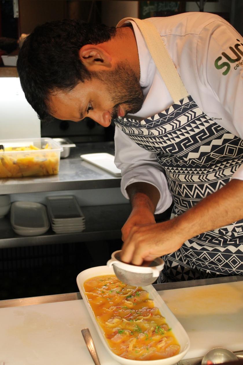 Dagoberto Torres kocht mich mit seinem Ceviche im Suri in Sao Paulo ein