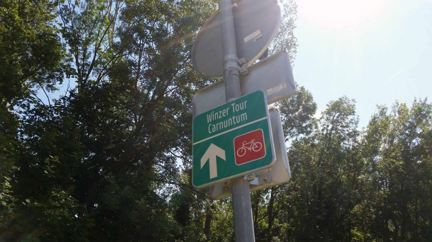 eine kurze Zeit Radroute, dann Straße